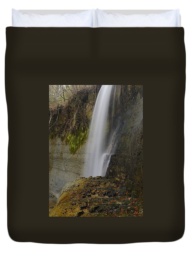 Waterfall Duvet Cover featuring the photograph Alabama Waterfall by Charles Beeler