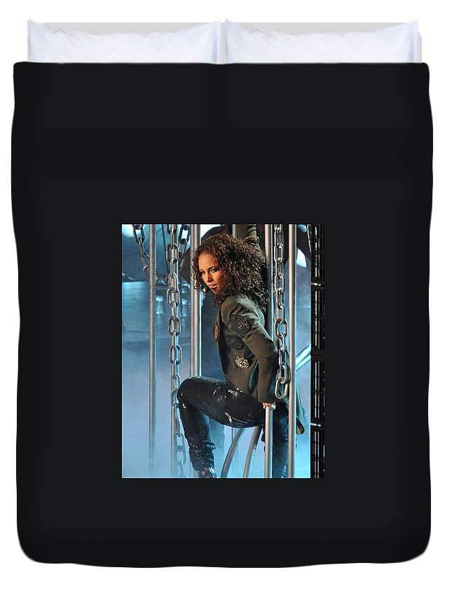 Alicia Keys Duvet Cover featuring the photograph Alicia Keys by Jes Fritze