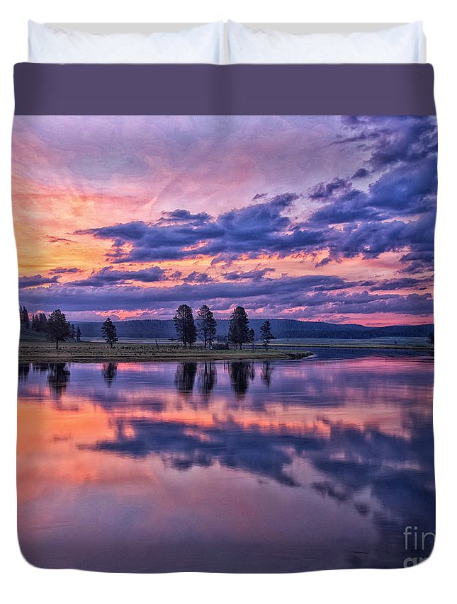 Yellowstone Duvet Cover featuring the photograph Alum Creek Sunrise by Claudia Kuhn
