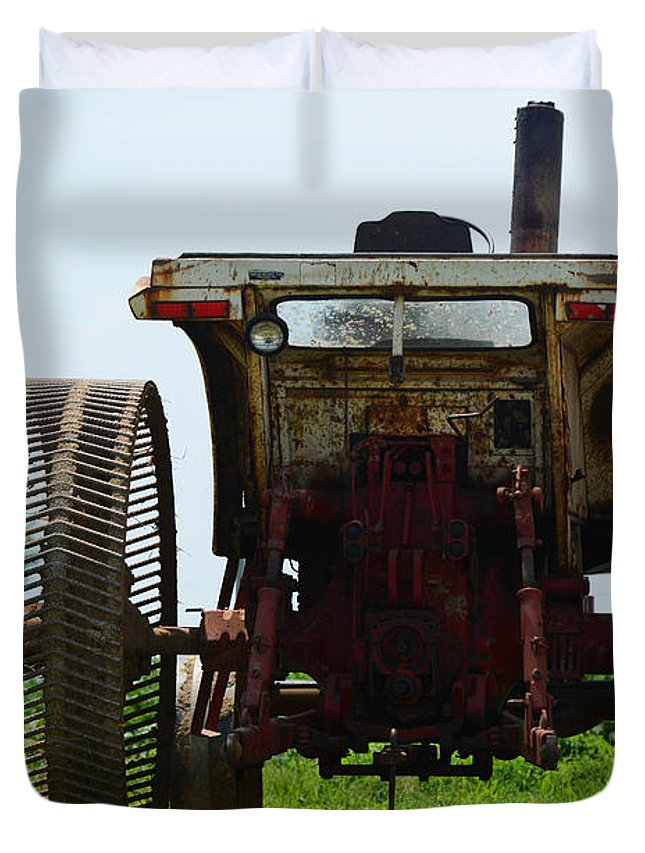 Amish Duvet Cover featuring the photograph Amish Tractor by Cindy Manero