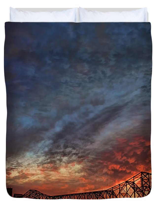 America Duvet Cover featuring the photograph An Evening In Louisville by Darren Fisher