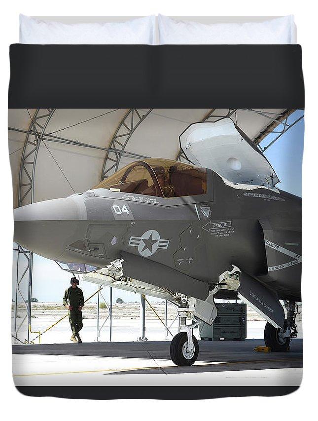 Marine Corps Air Station Yuma Duvet Cover featuring the photograph An F-35b Lightning II During Preflight by Riccardo Niccoli
