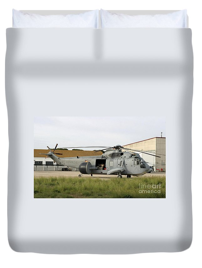 Aircraft Duvet Cover featuring the photograph An Sh-3d Sea King Airborne Early by Timm Ziegenthaler