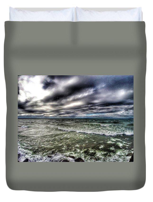 Lake Ontario Duvet Cover featuring the photograph Angry Ontario by Erik Kaplan