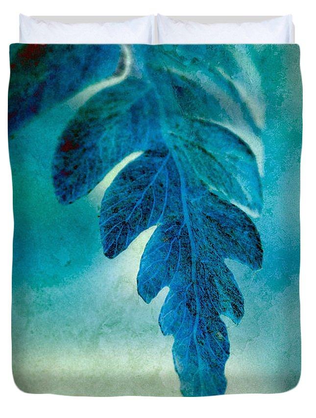 Fern Duvet Cover featuring the photograph Aqua Fern by WB Johnston
