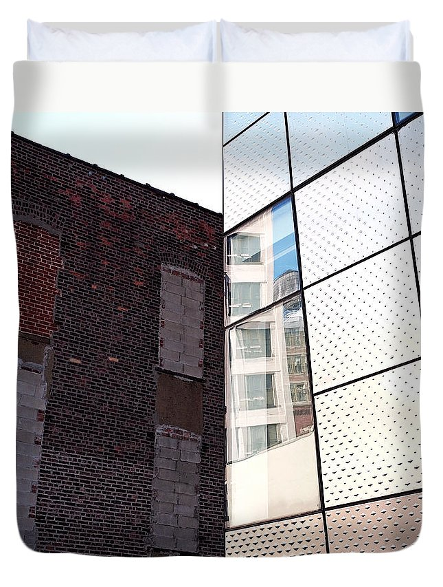 The High Line Duvet Cover featuring the photograph Architectural Juxtaposition On The High Line by Rona Black