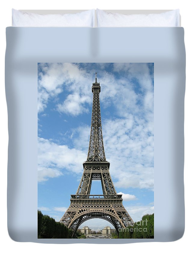 Paris Duvet Cover featuring the photograph Architectural Standout by Ann Horn