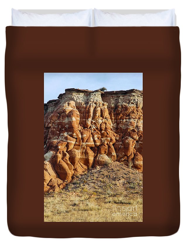 Arizona Sandstone Rock Formation Rocks Duvet Cover featuring the photograph Arizona Rock Formation by Bob Phillips