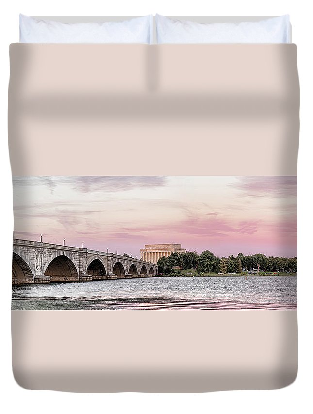 Photography Duvet Cover featuring the photograph Arlington Memorial Bridge With Lincoln by Panoramic Images