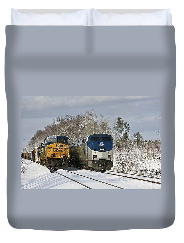 Ashland Duvet Cover featuring the photograph Ashland Trains In The Snow by Cliff Middlebrook