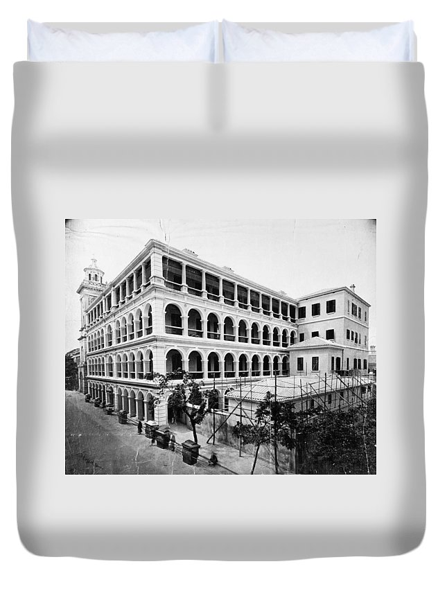1910 Duvet Cover featuring the photograph Asia Hotel, C1915 by Granger