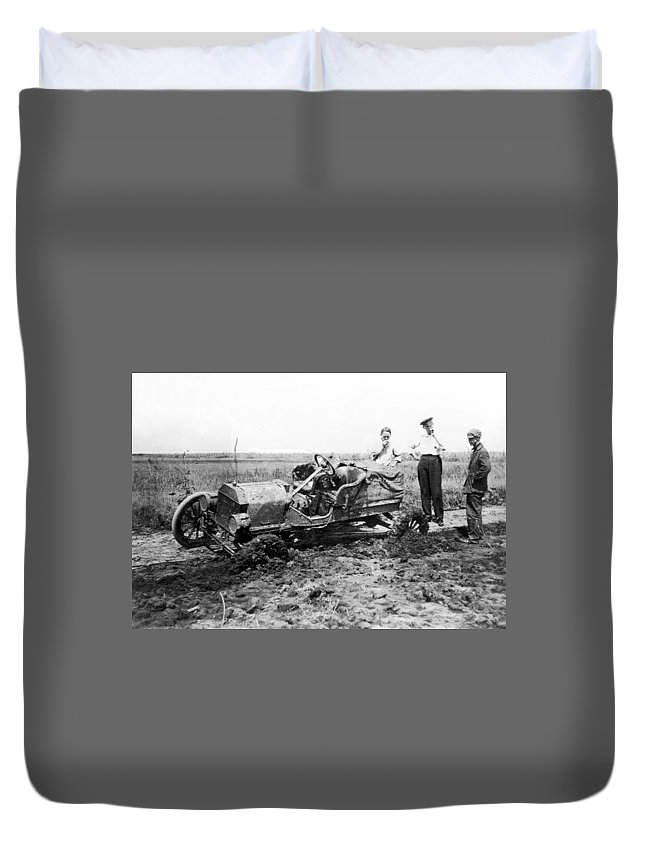 1909 Duvet Cover featuring the photograph Automobile Race, 1909 by Granger