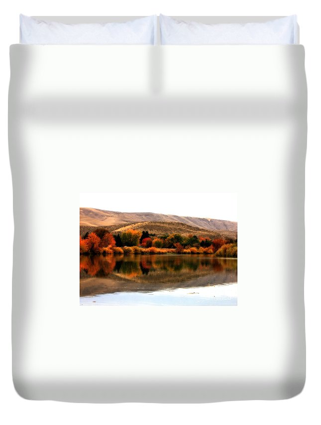 Prosser Duvet Cover featuring the photograph Autumn Glow On The Yakima River by Carol Groenen