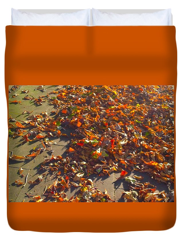 Leaves Duvet Cover featuring the photograph Autumn Gold by Joan-Violet Stretch