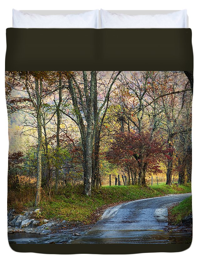 Road Duvet Cover featuring the photograph Autumn Lane by Amy Jackson