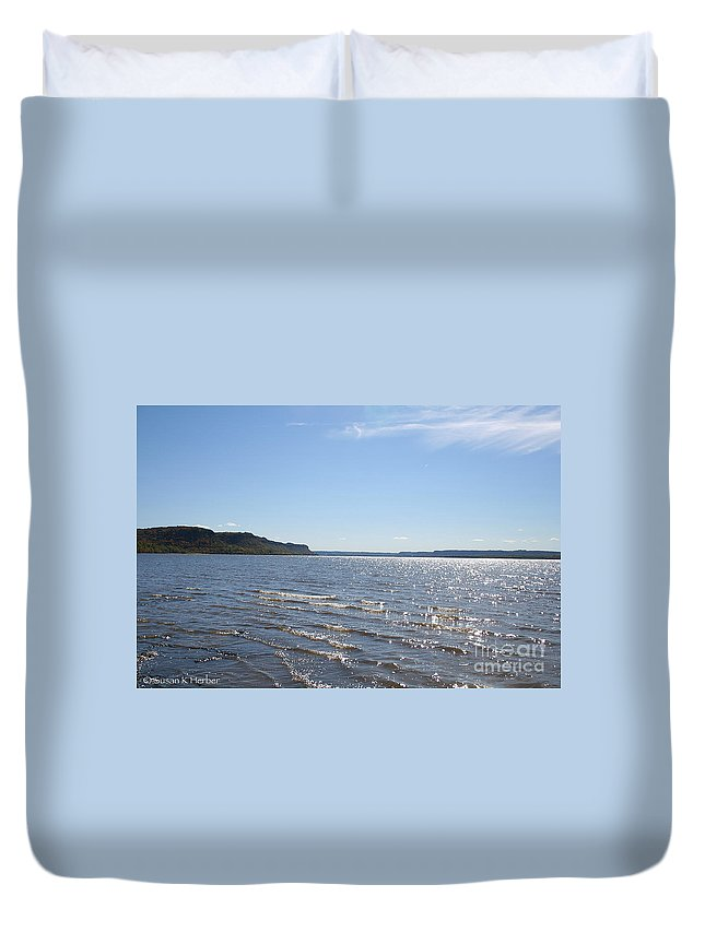 Horticulture Duvet Cover featuring the photograph Autumn Shore by Susan Herber