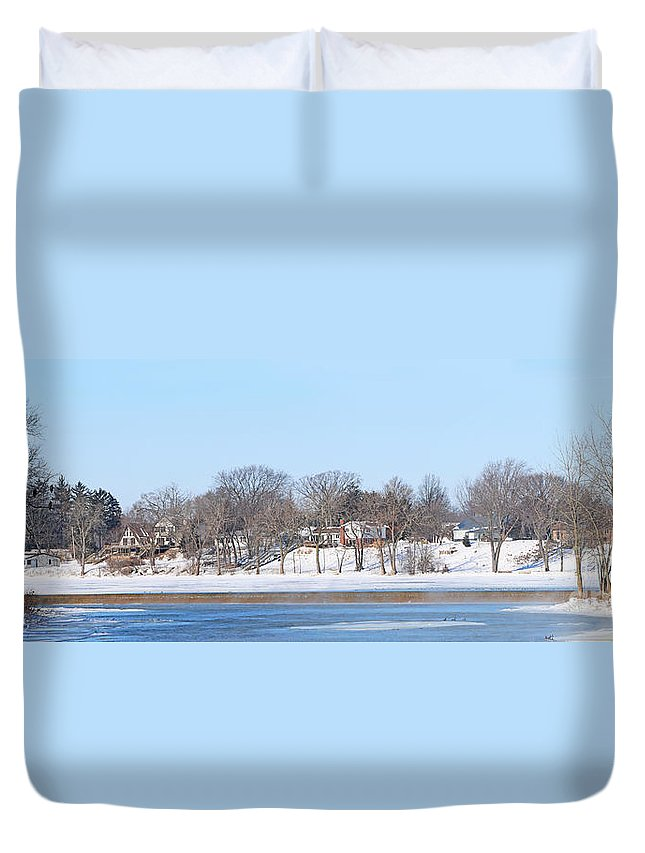 Bald Eagles Duvet Cover featuring the photograph Bald Eagles In Tree In Grand Rapids Ohio Panorama by Jack Schultz