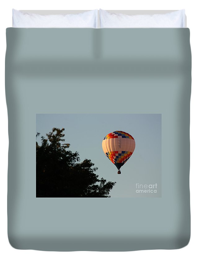 Hot Air Balloon Duvet Cover featuring the photograph Balloon-7105 by Gary Gingrich Galleries