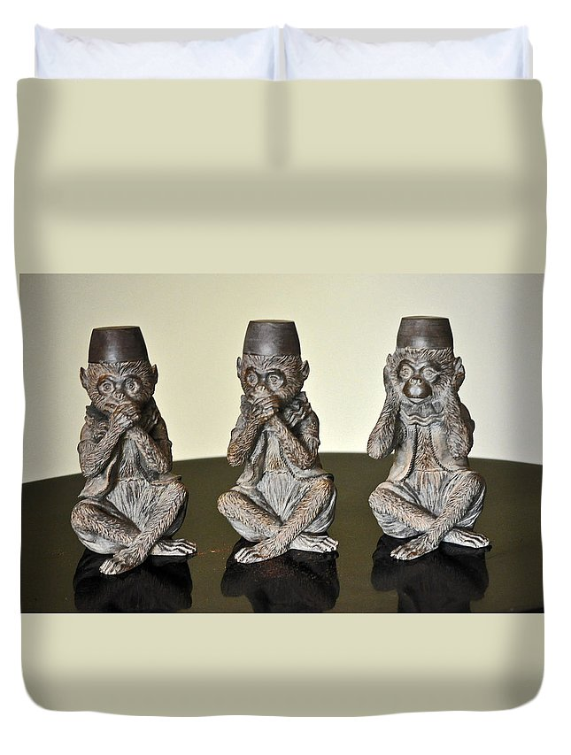 3wise Monkeys Duvet Cover featuring the photograph Barbary Macaques Monkeys by Jay Milo