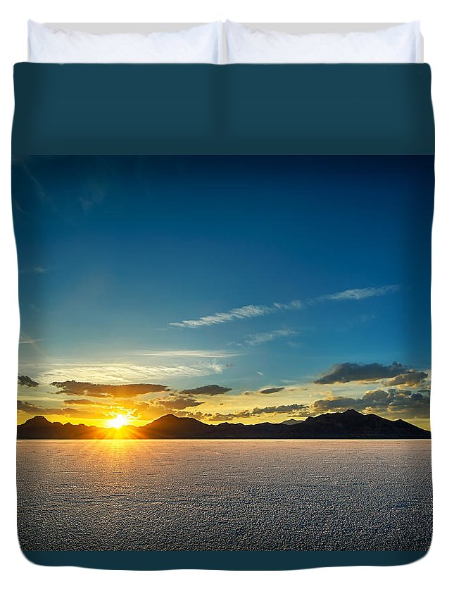 Bonneville Duvet Cover featuring the photograph Barren Valley by Brett Engle