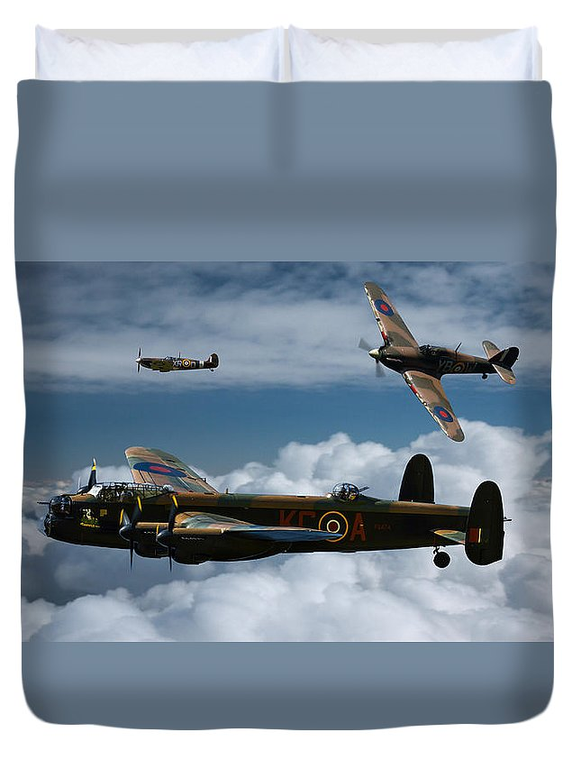 Bbmf Raf Duvet Cover featuring the photograph Bbmf Formation by Ken Brannen