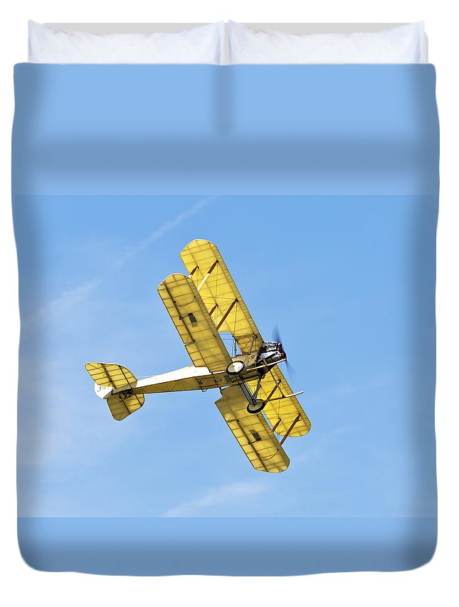 Royal Aircraft Factory Be2c Duvet Cover featuring the photograph Be2c by Maj Seda