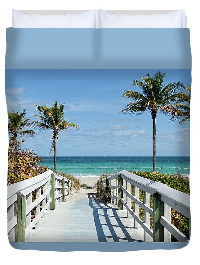 Florida Duvet Cover featuring the photograph Beach Entrance, Florida by Kubrak78