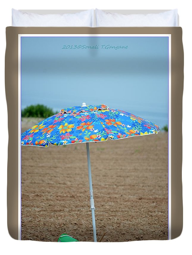 Umbrella Duvet Cover featuring the photograph Beach Time by Sonali Gangane