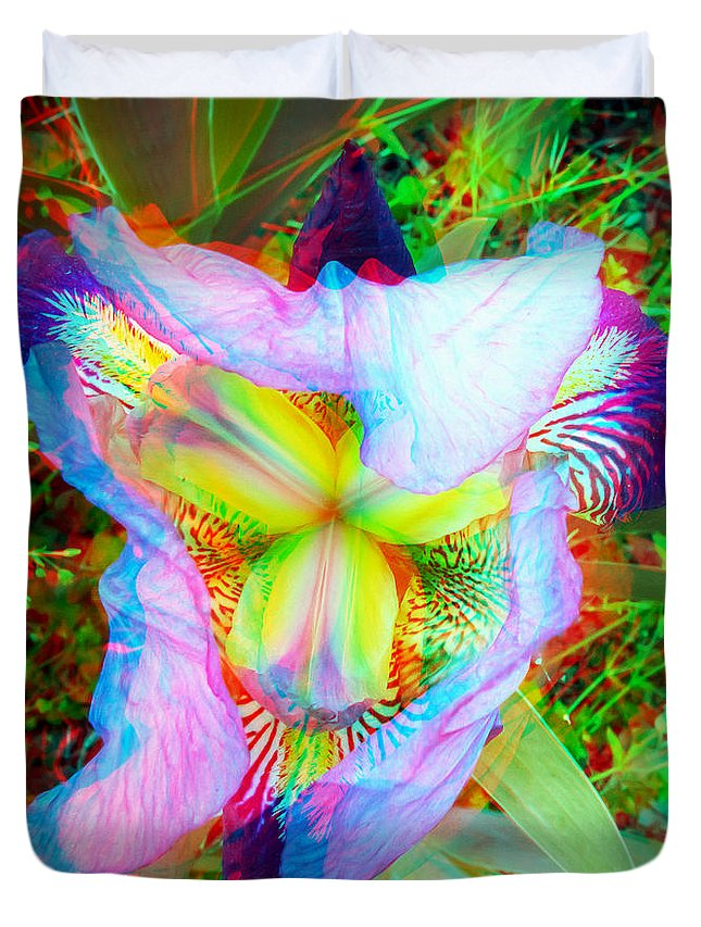 3d Duvet Cover featuring the photograph Bearded Iris Cultivar - Use Red-cyan 3d Glasses by Brian Wallace