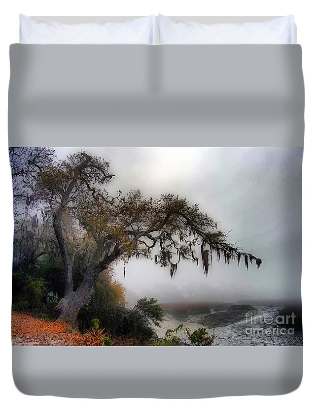 Scenic Tours Duvet Cover featuring the photograph Beaufort Back Water by Skip Willits