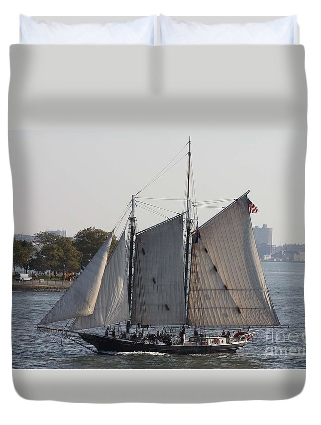 Beautiful Sailboat In Manhattan Harbor Duvet Cover featuring the photograph Beautiful Sailboat In Manhattan Harbor by John Telfer
