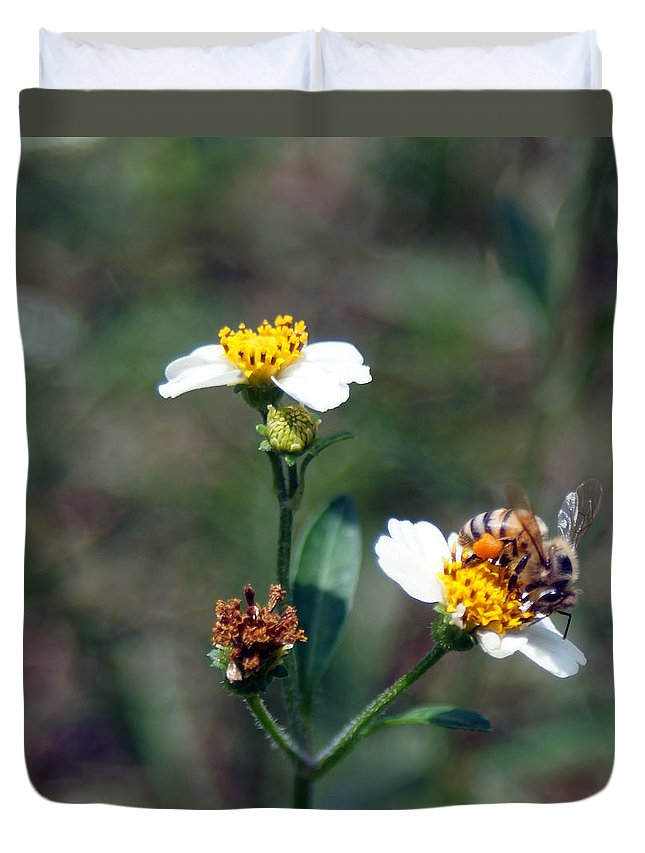 Nectar Duvet Cover featuring the photograph Bee- Nectar by Miguel Hernandez