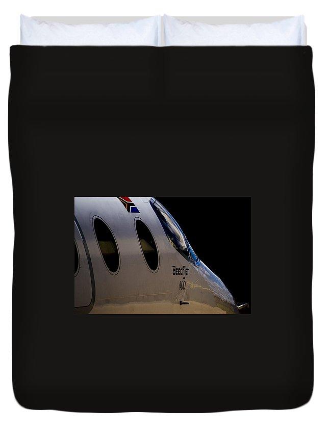 Beechjet 400 Duvet Cover featuring the photograph Beechjet 400 by Paul Job