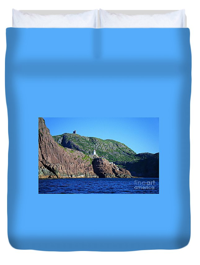 Behind Fort Amherst Rock Duvet Cover featuring the photograph Behind Fort Amherst Rock By Barbara Griffin by Barbara Griffin