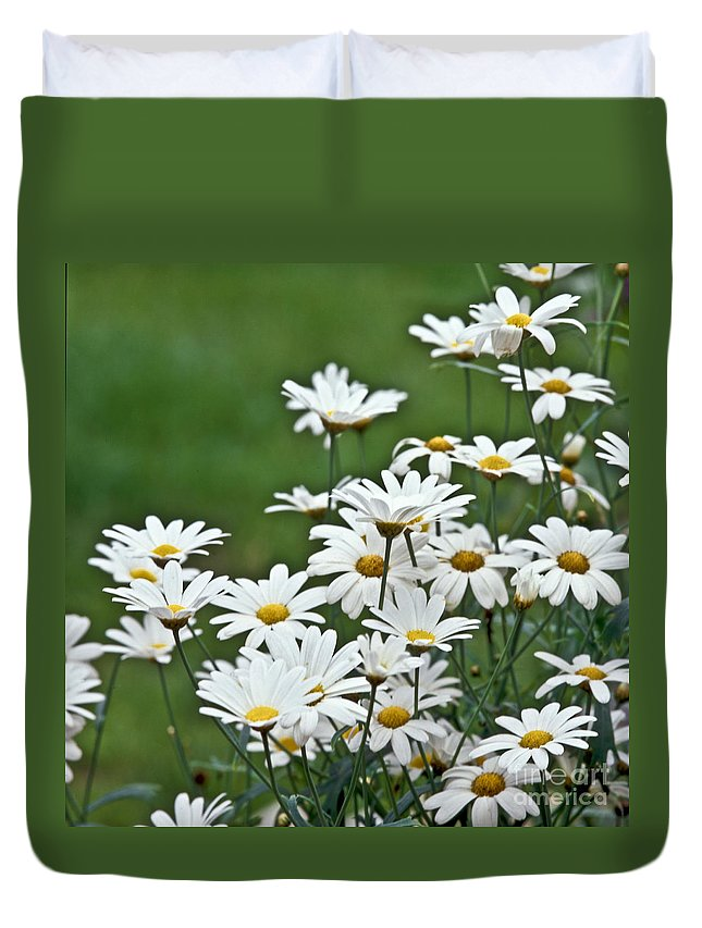 Heiko Duvet Cover featuring the photograph Bellis Perennis by Heiko Koehrer-Wagner