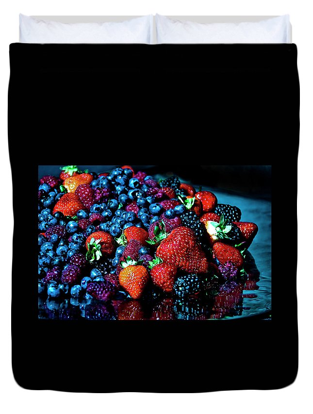 Serving Dish Duvet Cover featuring the photograph Berrylicious by Daniela White Images