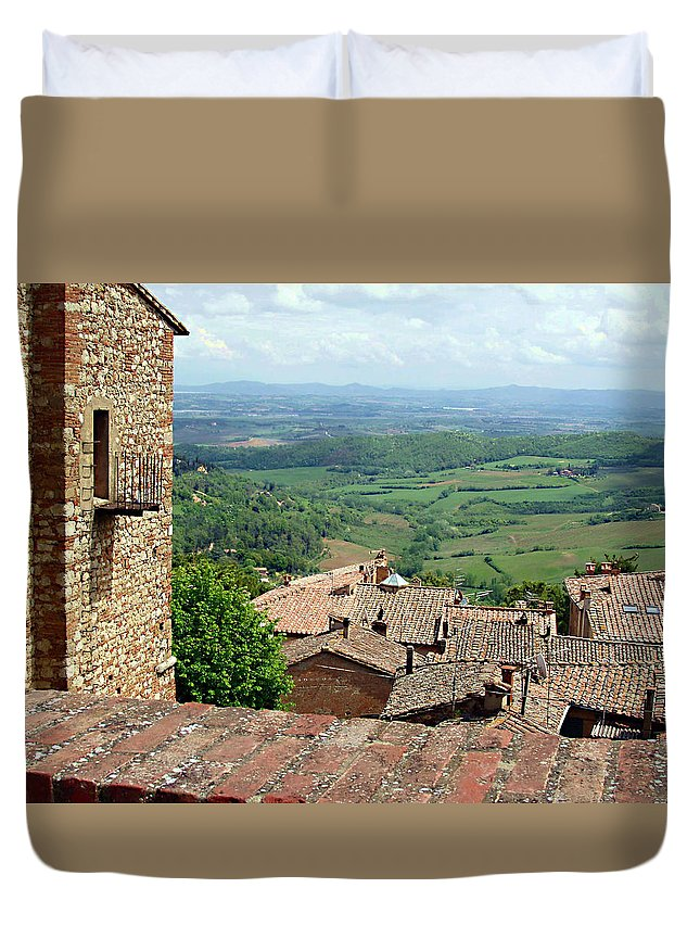 Beyond The Rooftops Duvet Cover featuring the photograph Beyond The Rooftops 1 by Ellen Henneke