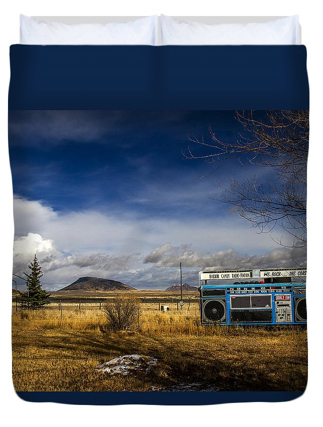 Bizarre Duvet Cover featuring the photograph Bizarre Giant Radio In Idaho by For Ninety One Days