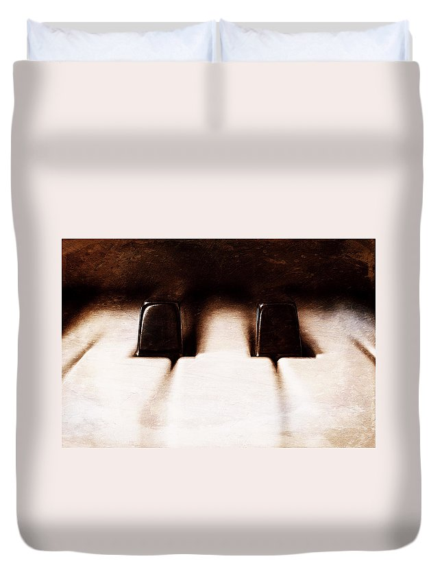Piano Duvet Cover featuring the photograph Black Keys D Flat And E Flat by Scott Norris