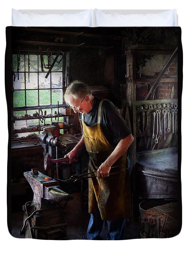 Blacksmith Duvet Cover featuring the photograph Blacksmith - Starting With A Bang by Mike Savad