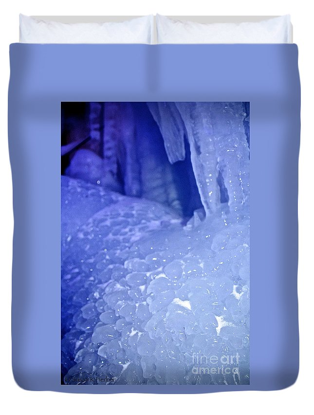Ice Duvet Cover featuring the photograph Blue Goosebumps by Susan Herber