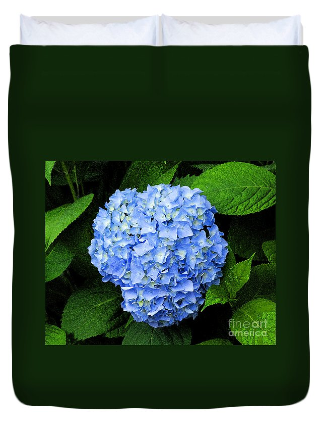 Flower Duvet Cover featuring the photograph Blues Hues by Joe Geraci