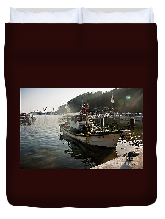 Boat Duvet Cover featuring the photograph Boat by Audrey Wilkie