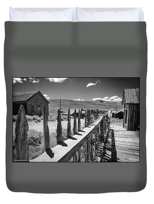 Bodie Duvet Cover featuring the photograph Bodie California Long Dusty Road by LeeAnn McLaneGoetz McLaneGoetzStudioLLCcom
