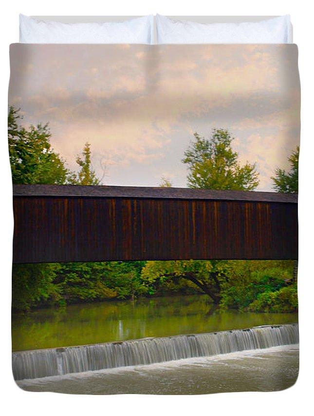 Bollinger Cover Bridge Duvet Cover featuring the photograph Bollinger Cover Bridge by Peggy Franz