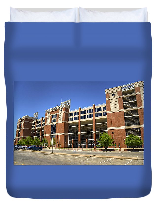 Oklahoma Duvet Cover featuring the photograph Boone Pickens by Ricky Barnard