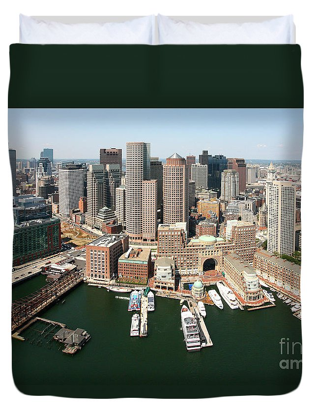 28 State Street Duvet Cover featuring the photograph Boston Harbor And Boston Skyline by Bill Cobb