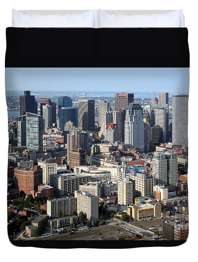 28 State Street Duvet Cover featuring the photograph Boston Skyline by Bill Cobb
