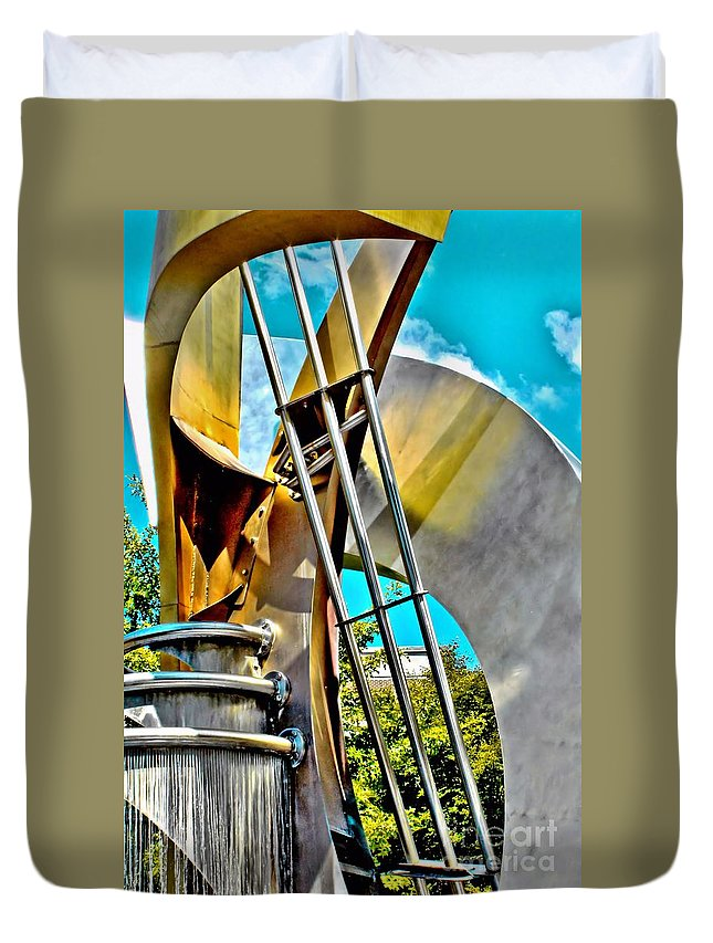 Boyd Plaza Duvet Cover featuring the photograph Boyd Plaza Fountain Revisited by Samantha Glaze