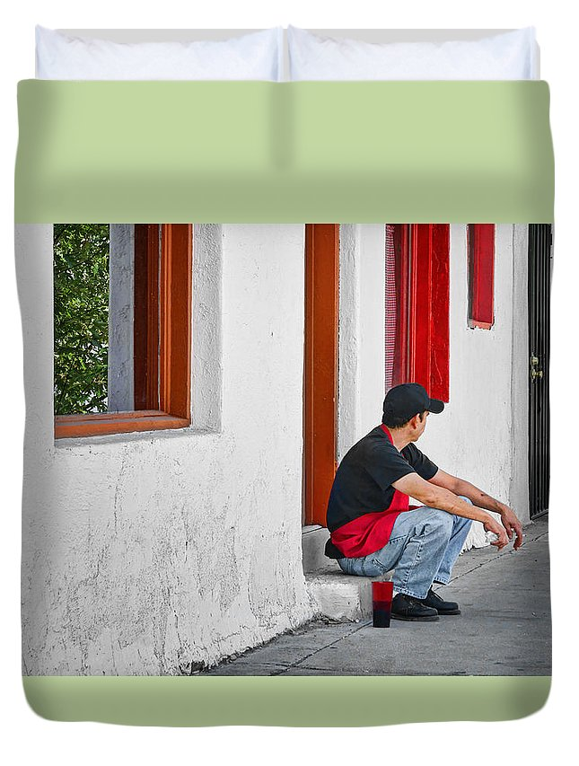 Kitchen Worker Duvet Cover featuring the photograph Break Time by Nikolyn McDonald